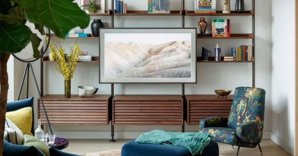 Televisión como si fuese un cadro apra decorar la pared de la televisión