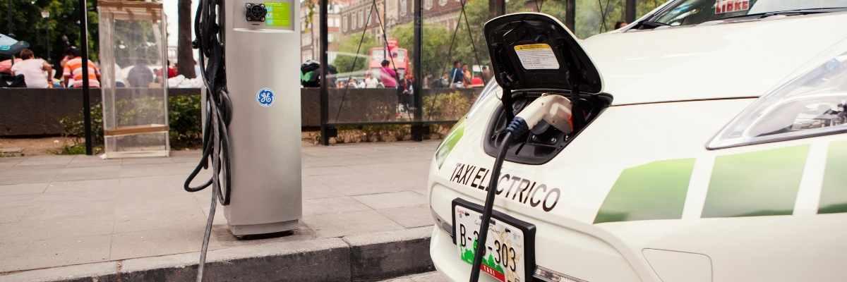 taxi-vehículo-eléctrico
